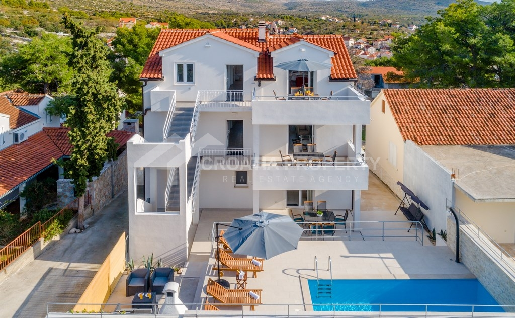 Furnished house for sale in Milna, Brac