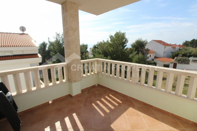 Apartment in nice and quiet location in Bol