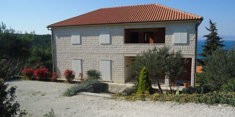 Detached house overlooking sea, Postira