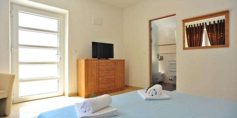 dalmatian villa on brac island (23)