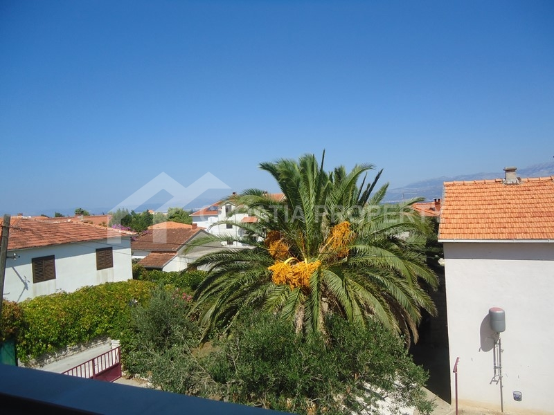 Newly built apartments in Supetar with sea view