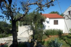 House with sea view and beautiful house lot in Supetar