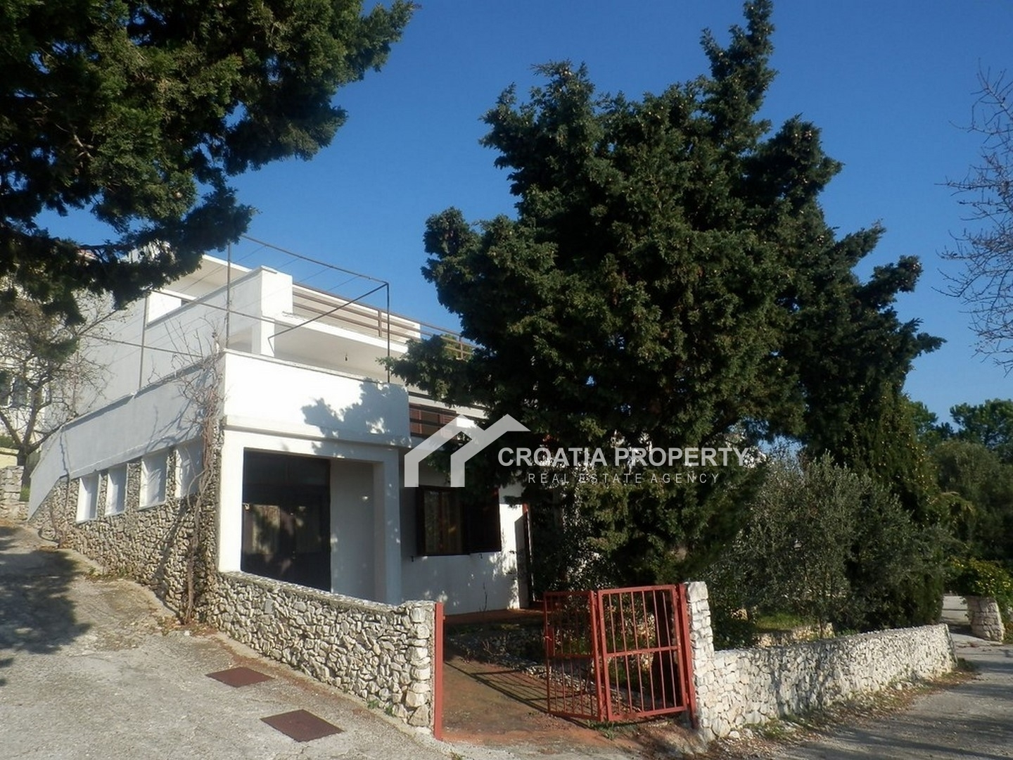 Detached house placed in attractive location, Rogoznica
