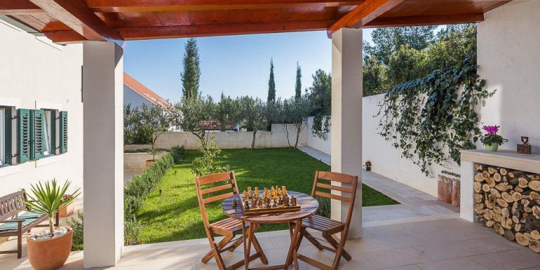 amazing house for sale sutivan brac (1)
