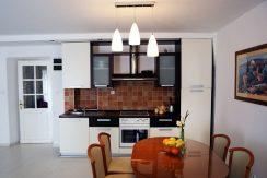 Three bedroom apartment in Bol