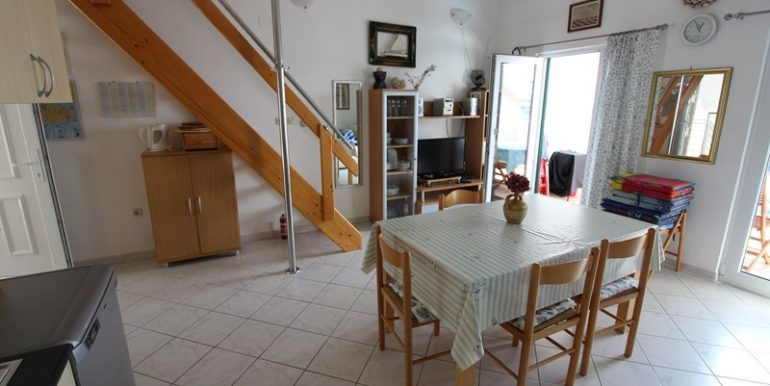 apartment in terrace in Milna (10)