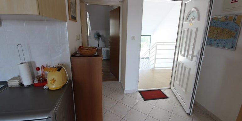 apartment in terrace in Milna (7)
