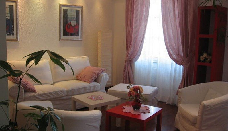 Apartment with sea view in centre of Trogir