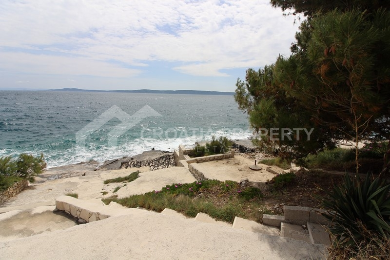 New-build apartment with sea view, island Ciovo