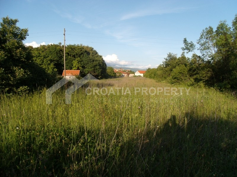 Building lot in very attractive location near Sinj