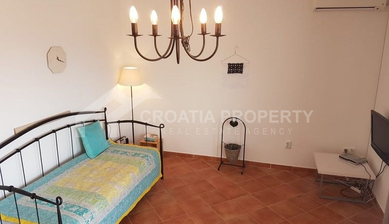 detached house with seaview near Trogir(21)