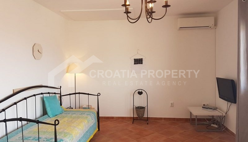 detached house with seaview near Trogir(38)