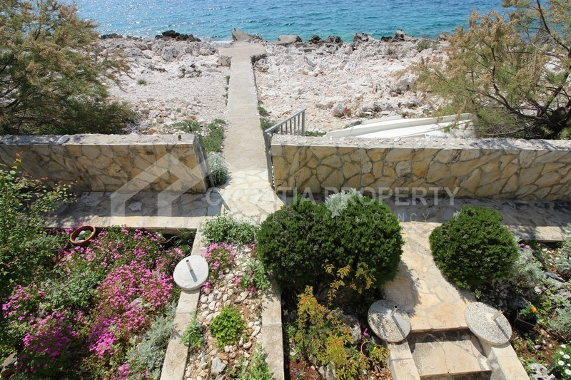 Detached house, first row to sea, Rogoznica
