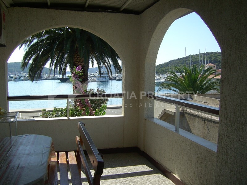 House in Rogoznica, 1st row by sea