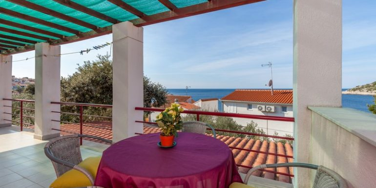 Apartment house, second row by sea, Rogoznica
