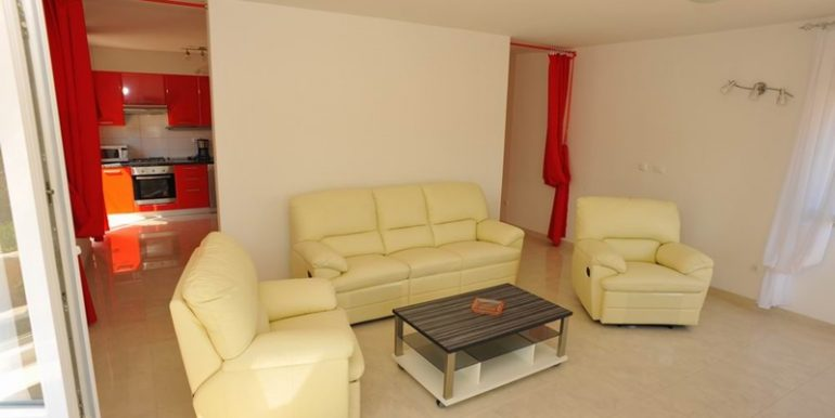 house with pool for sale brac (9)