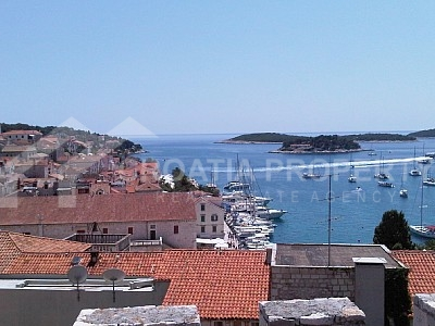 Unique renovated stone house in Hvar