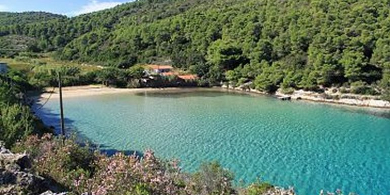 Lot with beautiful sea view in Vis island