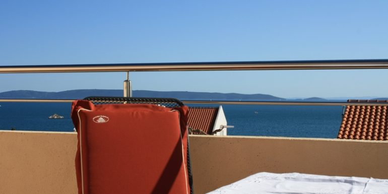 House with three apartments in Trogir