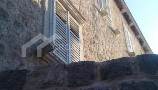 stone house for sale Vis (10)