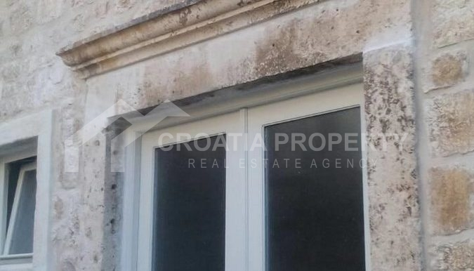 stone house for sale Vis (11)