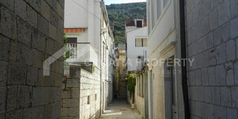 stone house for sale Vis (13)