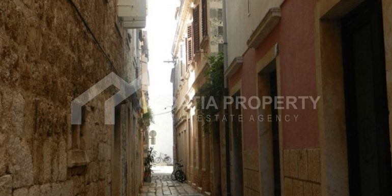 stone house for sale Vis (15)