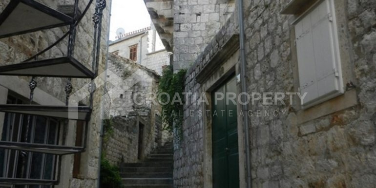 stone house for sale Vis (16)