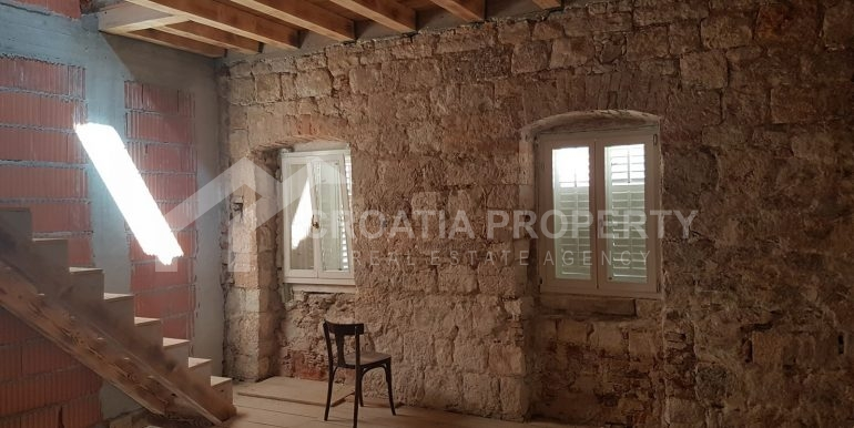 stone house for sale Vis (3)