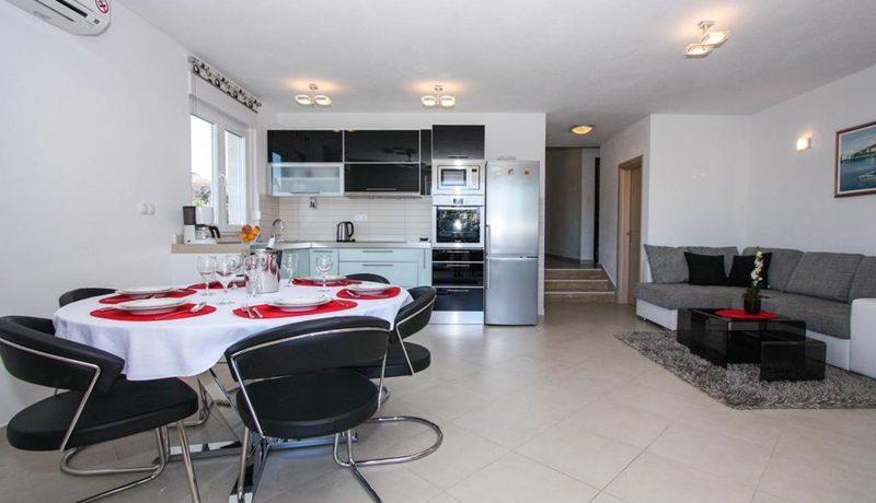 three_bedroom_apartment_for_sale_Trogir_(5)