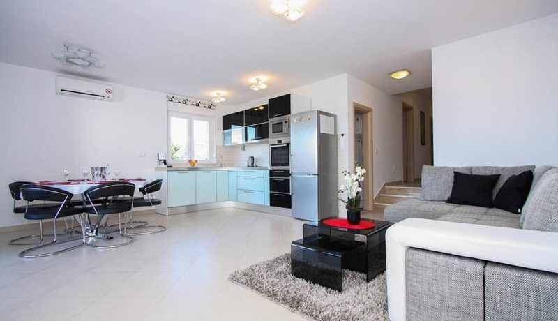 three_bedroom_apartment_for_sale_Trogir_(6)