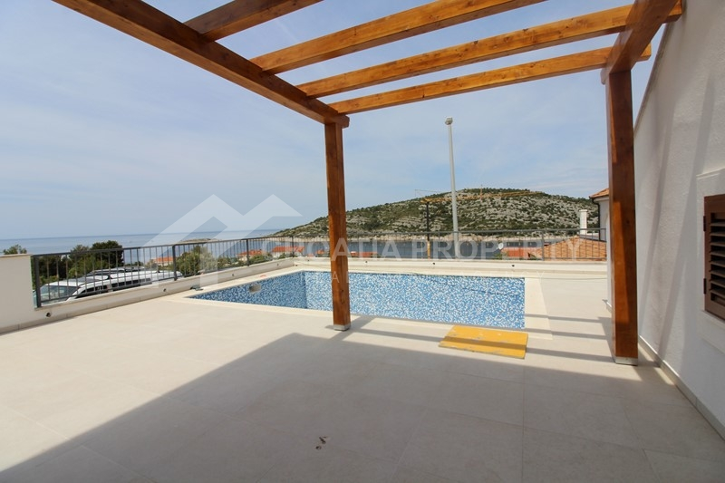 Luxurious villa near sea, Rogoznica