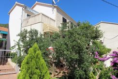 House in attractive location in Bol, island Brac
