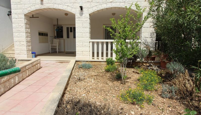apartment house forsale (4)