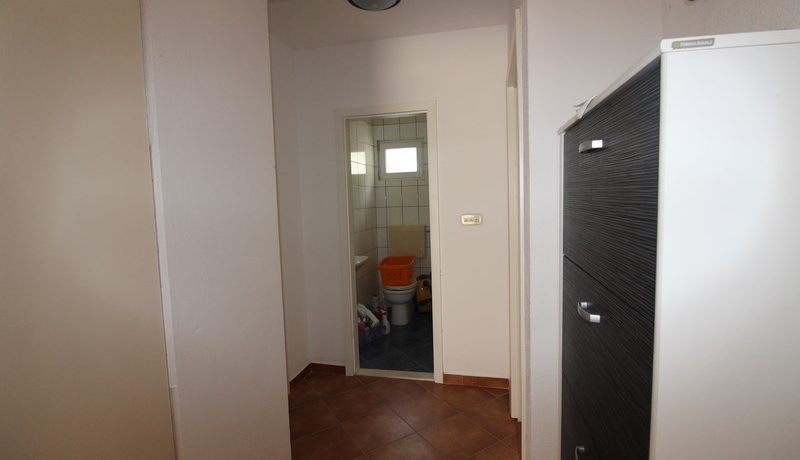 apartment house forsale (8)