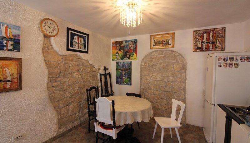 old stone house Trogir centre (22)