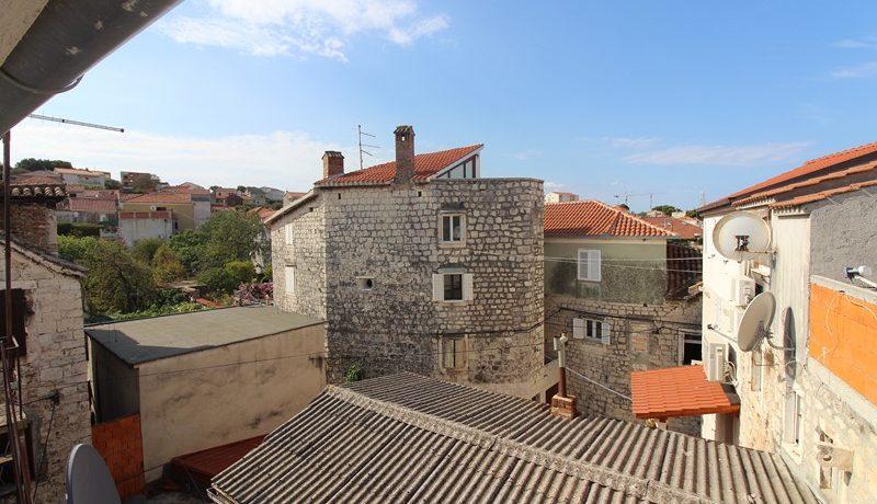 old stone house trogir centre (13)
