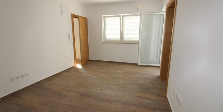 apartment in bol for sale (1)