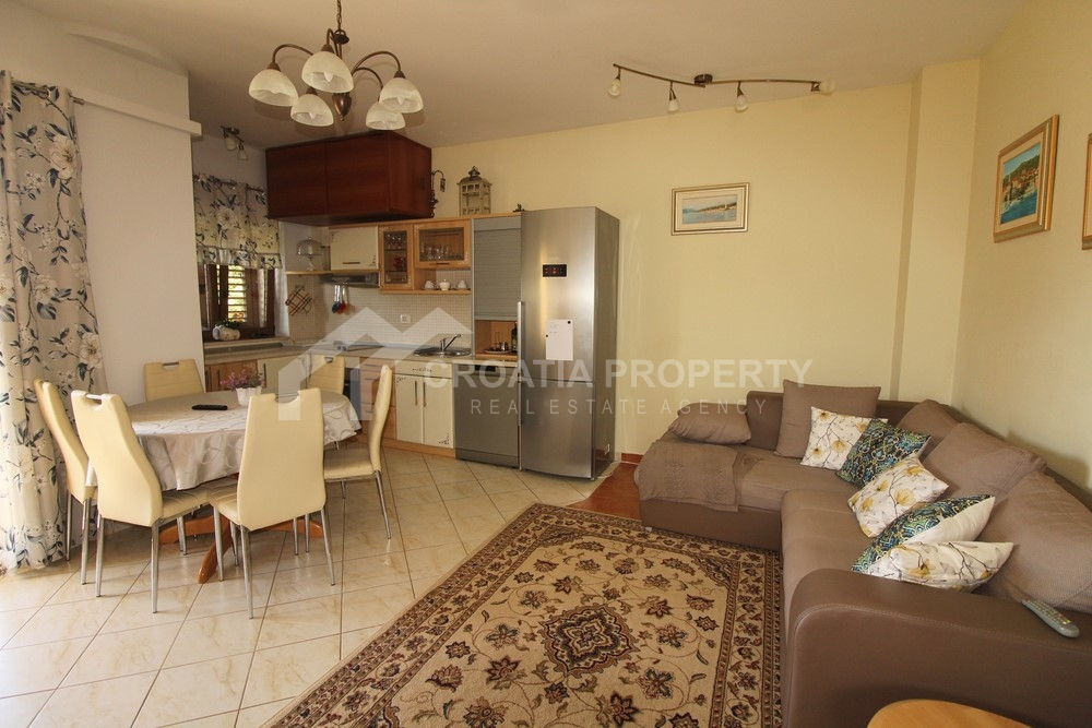 Two bedroom apartment in attractive location in Supetar