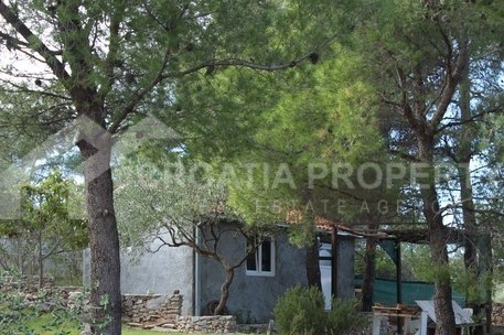 House in attractive location, island of Brac