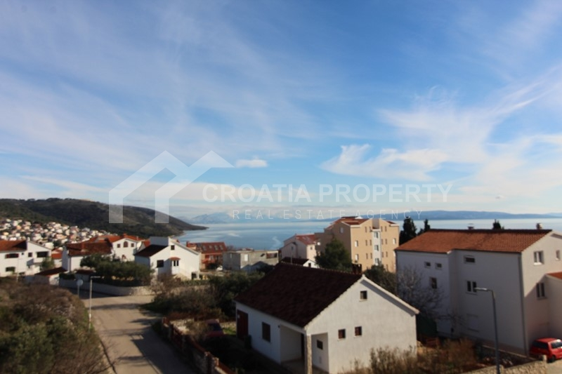 Apartment in new building on the island of Ciovo