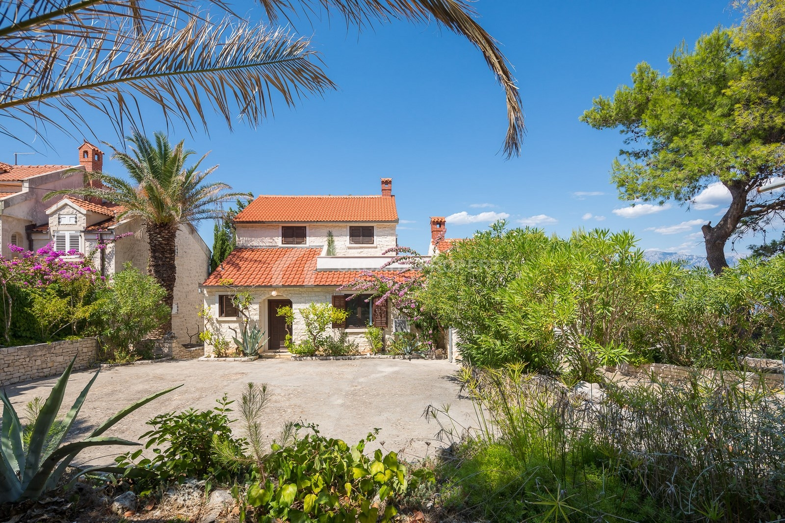 Sale of house in Splitska on the island of Brac