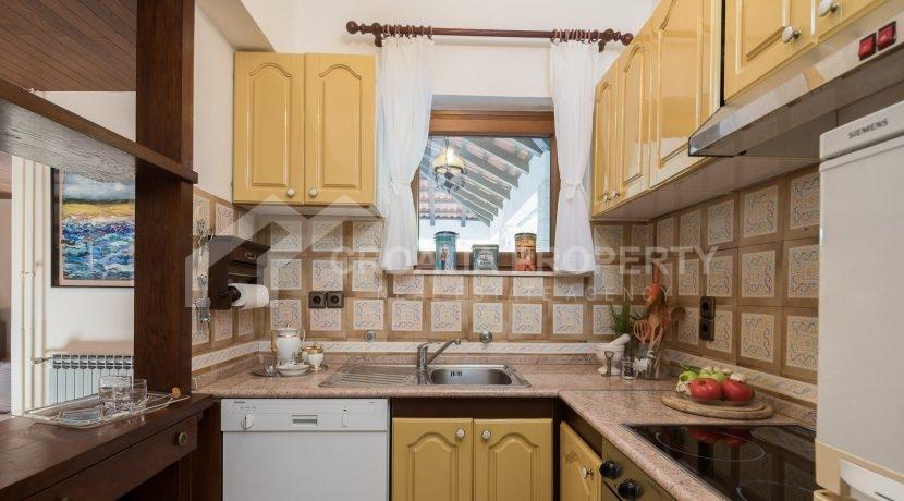 beautiful house Splitska (9)