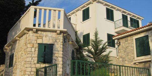 Family house on Brac island for sale