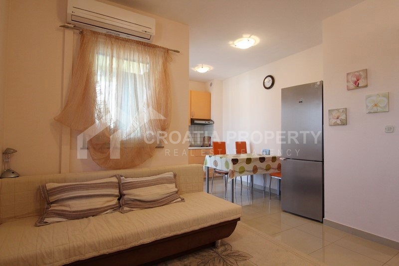 Apartment with sea view, for sale