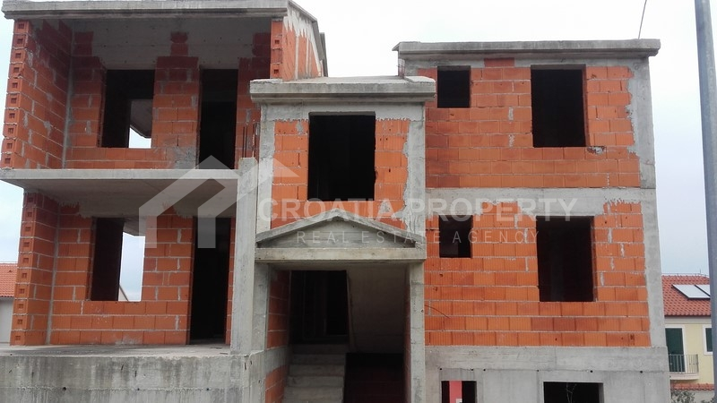 Sale of house under construction, Brac island