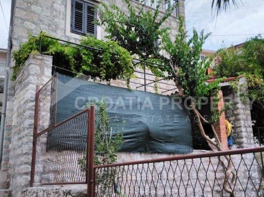 stone house for sale brac (10)