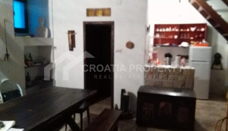 stone house for sale brac (6)