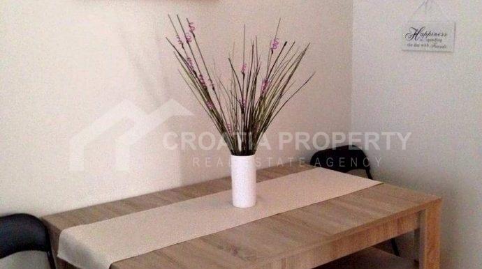 Modern apartment in Rogoznica (4)