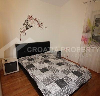 Modern apartment in Rogoznica (9)
